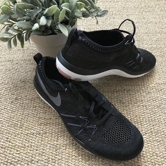 info pour 13b8e c8146 Nike Free TR Focus Flyknit Rose Gold NWT